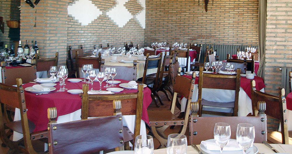 Restaurante-asador-Alto-del-leon-guadarrama-salon-asturias-22