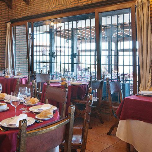 Restaurante-asador-Alto-del-leon-guadarrama-salon-asturias-41-490x490