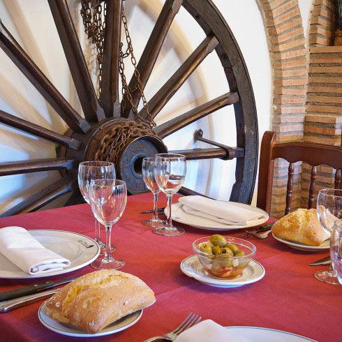 Restaurante-asador-Alto-del-leon-guadarrama-salon-toledo-1-490x490