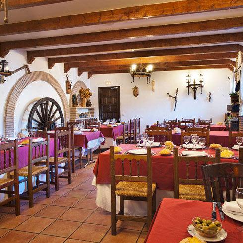 Restaurante-asador-Alto-del-leon-guadarrama-salon-toledo-2-490x490