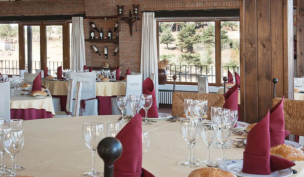 Restaurante-asador-Alto-del-leon-guadarrama-salon-bodas